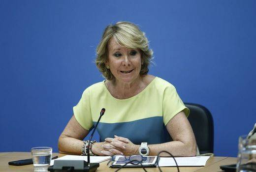 Esperanza Aguirre reclama el cese del alcalde de Villares del Saz