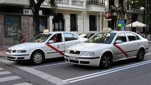 Nace 'TaxiEs', la app móvil que han creado los taxistas para defenderse de la competencia desleal