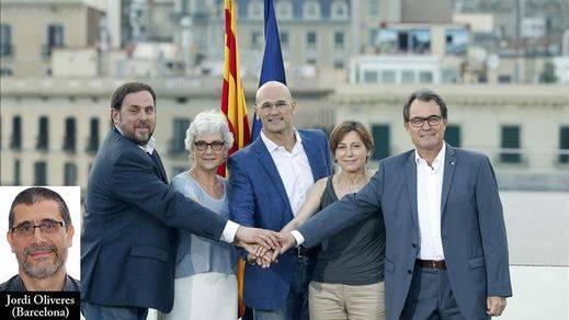 'Junts Pel Sí': Mas se esconde tras Romeva en la presentación oficial de la lista independentista