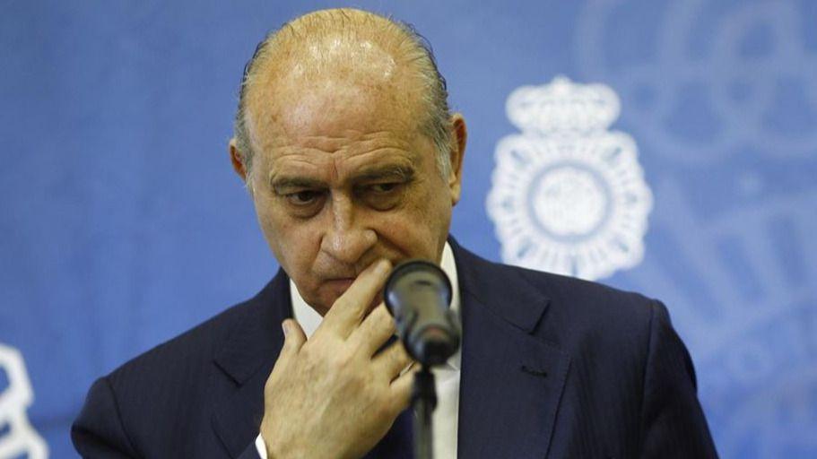 Debe espa a recibir tantos demandantes de asilo el for Ministro de interior espana