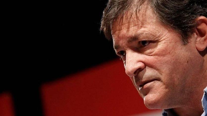 A la tercera fue la vencida: Javier Fernández, reelegido presidente de Asturias tras abstenerse Podemos
