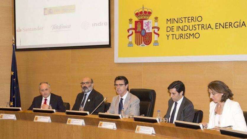 El Ministerio de Industria impulsa, junto con Indra, Telefónica y Banco Santander, la transformación digital de la industria española