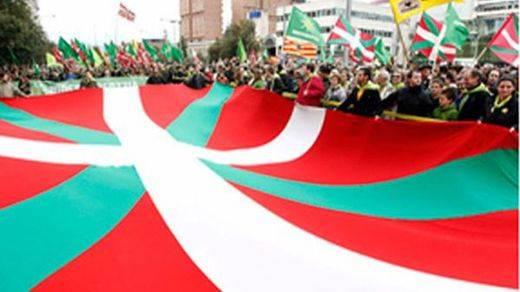 El País Vasco se aleja de la 'vía catalana': la independencia no llega al 30% de apoyo