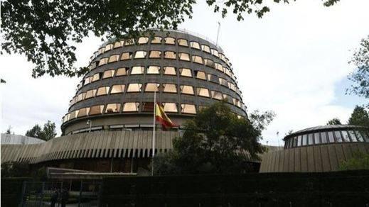 El Constitucional admite a trámite el recurso de la oposición contra la prisión permanente revisable