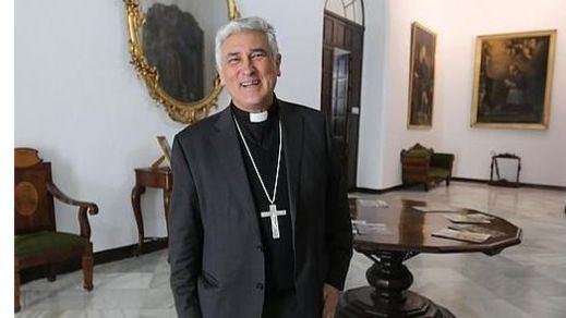 El Obispado de Cádiz prohíbe a un transexual ser padrino de un niño y niega que sea