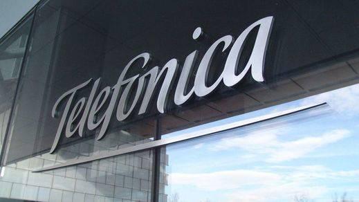Telefónica duplica su beneficio a junio y revisa al alza sus previsiones de ingresos para 2015
