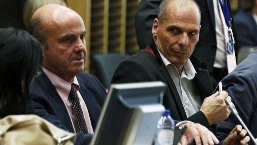 Duelo entre De Guindos y Varoufakis. Sus predicciones sobre el futuro de España