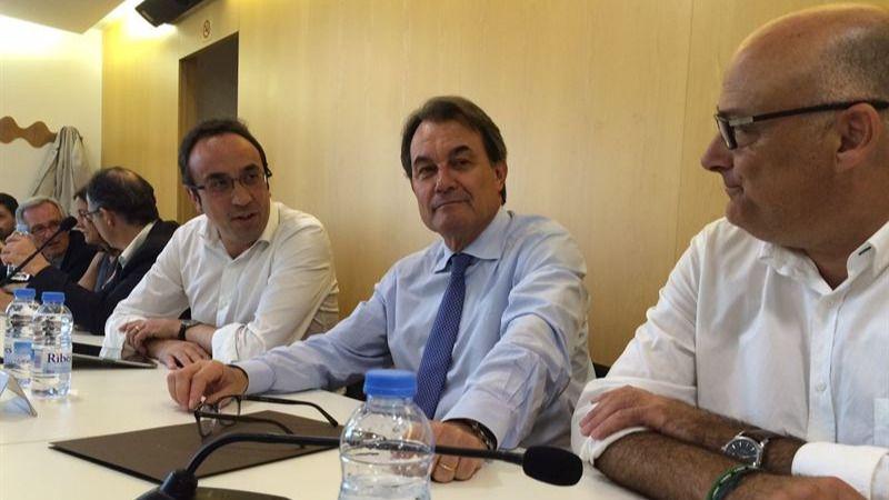 CDC dice que los catalanes y los partidos harán plebiscitario el 27S y no la convocatoria