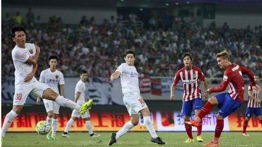 El Atlético cierra su gira asiática con el triunfo ante el Shanghái (0-3)