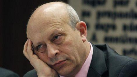 Los diplomáticos españoles también cargan contra Wert: 'Embajador por amor'