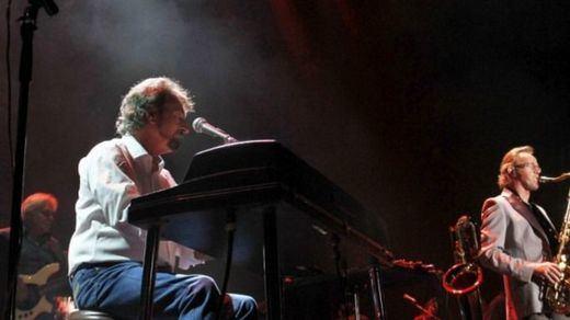 La grave enfermedad de su líder Rick Davis obliga a Supertramp a suspender sus conciertos en España