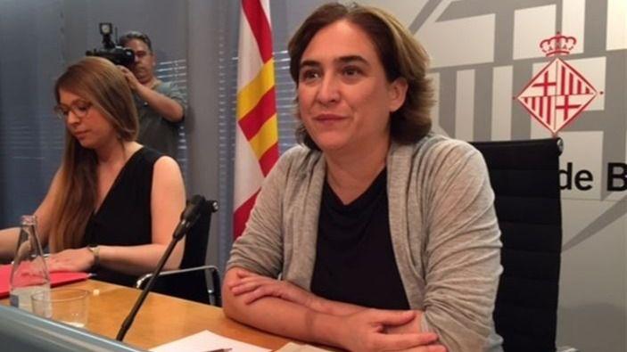 Colau pone en marcha un plan de urgencia contra los pisos turísticos ilegales en Barcelona