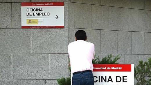 El desempleo continúa siendo, con mucha diferencia, lo que más preocupa a los españoles