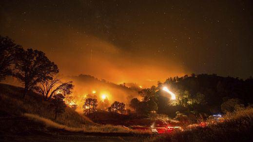 Los incendios arrasan el estado de California