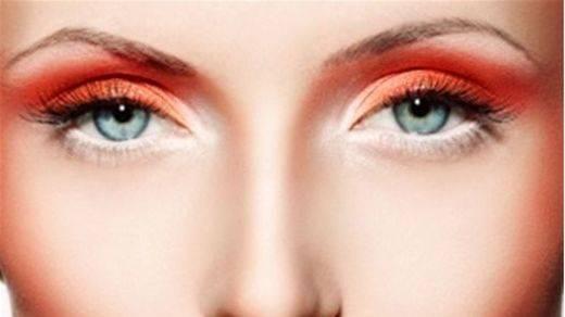 El naranja, color 'estrella' del maquillaje veraniego