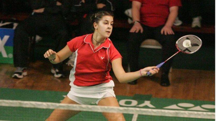 Carolina Marín sufre pero gana en la defensa de su título mundial