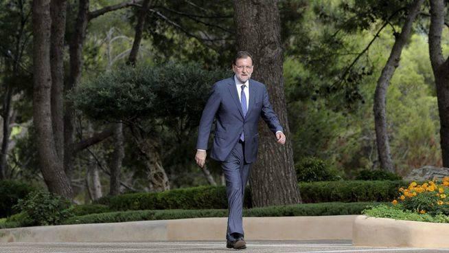 Rajoy confirma su voluntad de plantear la reforma consitucional en 2016 si hay consenso