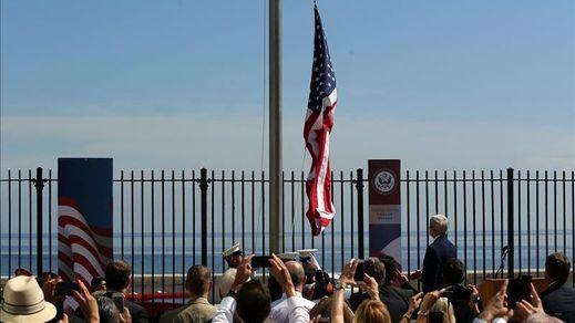 La bandera estadounidense vuelve a ondear en Cuba 54 años después