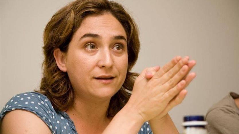 El PP considera que Ada Colau hace un efecto llamada al 'top manta'