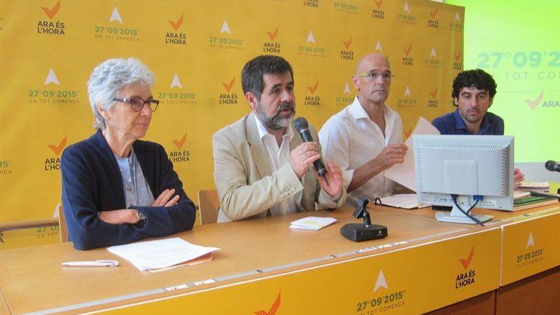 Romeva 'pasa' de Mas y de CDC: 'La independencia la pilota la sociedad catalana'