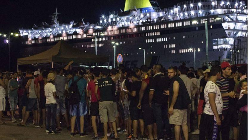 La isla griega de Kos, desbordada por la llegada masiva de inmigrantes