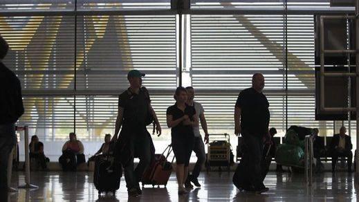 Las 'low cost' se hacen con la mitad de los pasajeros de avión