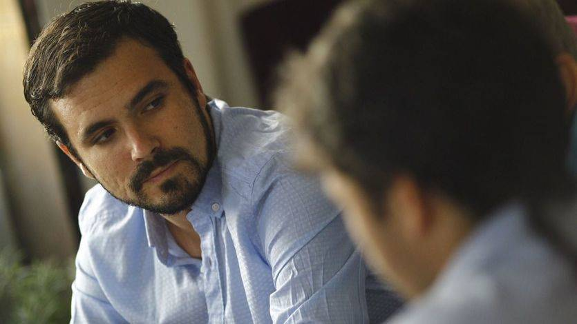 Garzón advierte a Podemos que el PSOE no puede ser 'parte de la solución'