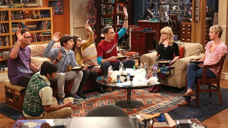 Un trabajador de 'The Big Bang Theory' demanda a Warner Bros por despedirlo tras cumplir 50