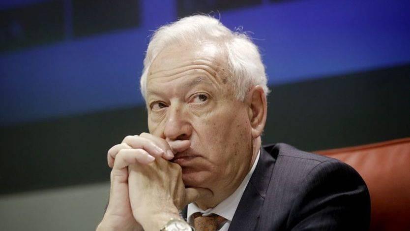 Margallo acusa a Gibraltar: 'Aunque fumasen todos los niños y los simios no podrían consumir tanto tabaco'