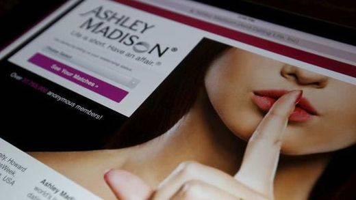 Colgados en internet datos robados de usuarios de una web para casados infieles... en EEUU