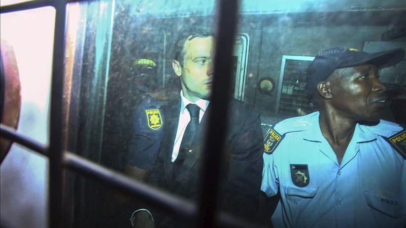 Pistorius seguirá en prisión tras serle suspendida la libertad condicional