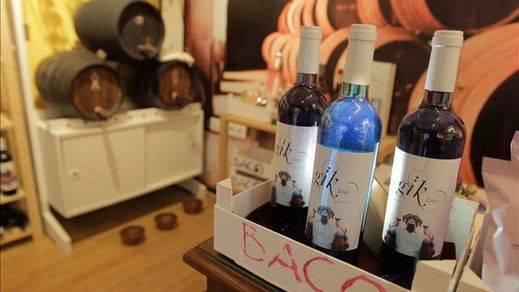 El original vino azul ya tiene exposición de pintura