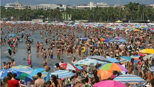 España rompe récords en el turismo: recibió 38 millones de turistas hasta julio