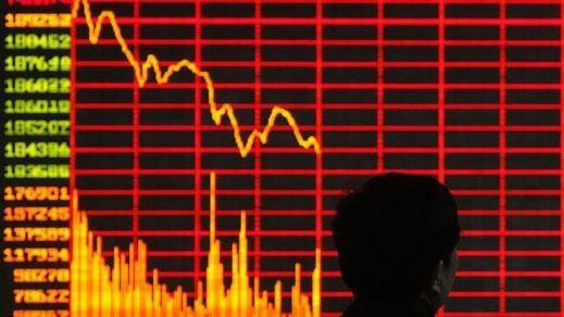 China baja los tipos de interés para intentar frenar la sangría de la Bolsa