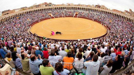 Los aficionados organizan marchas contra la prohibición de los toros