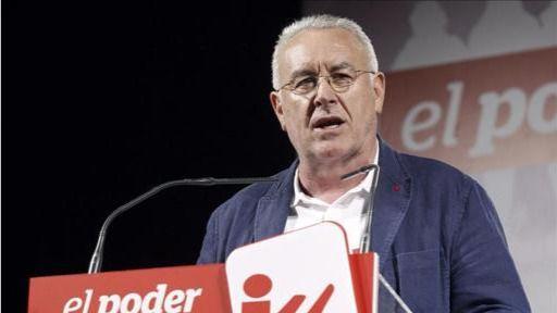 Cayo Lara 'reprende' a Pablo Iglesias por sus reiteradas negativas a la unión de Podemos e IU
