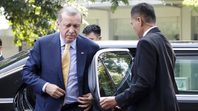 Turquía envía a prisión a dos periodistas y a su traductor tras ser acusados de colaborar con el Estado Islámico