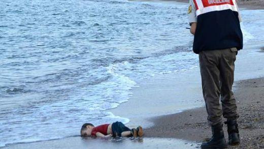 La imagen del niño ahogado en las costas turcas, nuevo icono del drama de los refugiados sirios