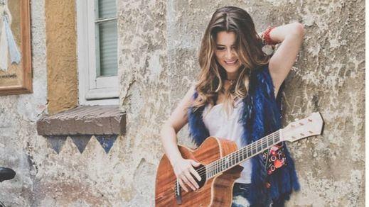 Astrid Asher: el mestizaje perfecto de sonidos mediterráneos, latinos y clásicos
