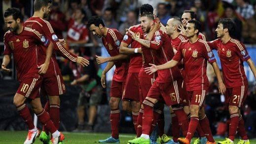 Eurocopa: La Roja torea y estoquea con oficio a una Eslovaquia muy mansa (2-0)