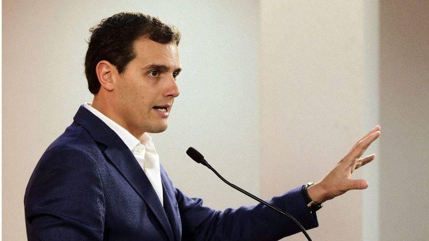Rivera carga contra Pedro Sánchez: 'Me preocupa que cometa los errores de Zapatero con Cataluña'