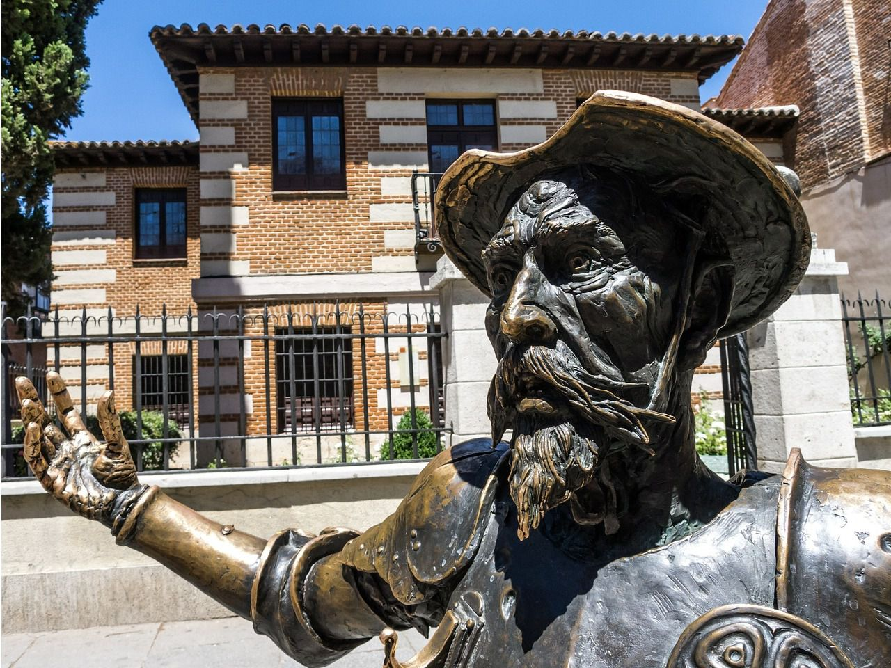 Santander concede 10 becas de prácticas remuneradas para alumnos de Estudios Hispánicos de CIESE-Comillas