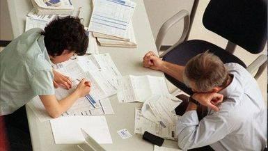 Los funcionarios recuperar�n el 50% restante de la paga extra en enero