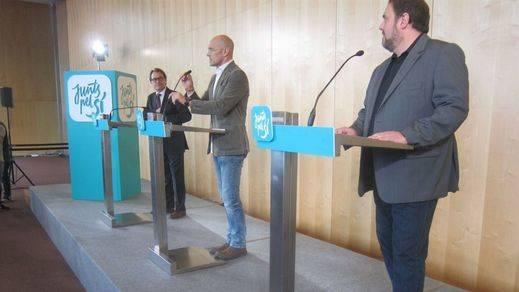 El triunvirato Mas-Junqueras-Romeva vende a la prensa internacional una independencia posible en Europa y a una España opresora