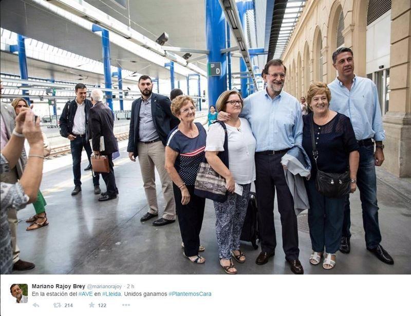 Rajoy apela al voto masivo el 27S para derrotar el radicalismo de Mas y Sánchez