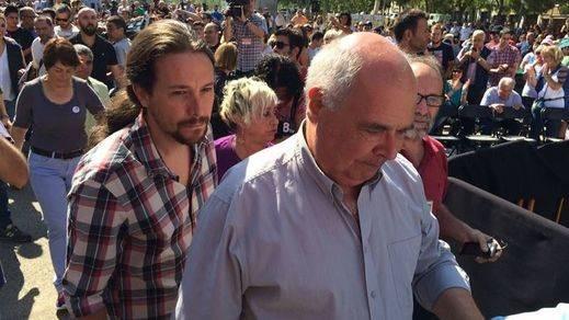 Miembros de la CUP irrumpen en el mitin de Iglesias criticando su 'etnicismo'
