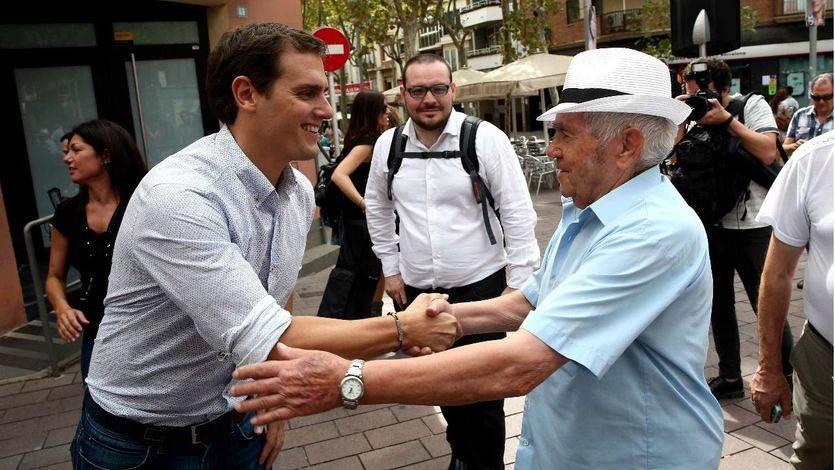 Los partidos no independentistas se lanzan a por el voto obrero del 'cinturón rojo' catalán