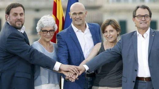 Una encuesta para rebajar la euforia independentista: ni con la CUP podría Mas alcanzar la mayoría