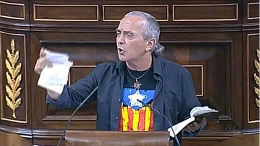 PP y UPyD presionan a Posada para que sancione al diputado de Amaiur que rompió una Constitución