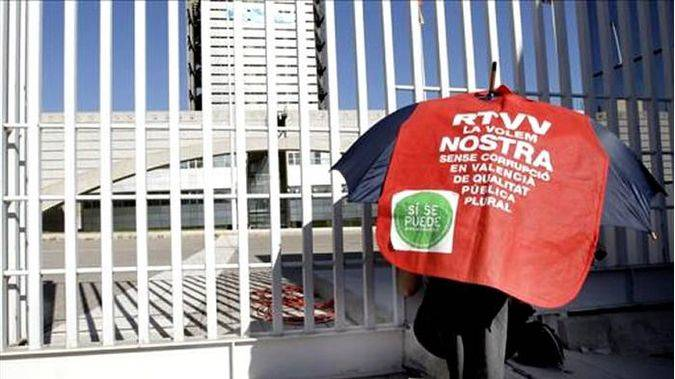 PSPV, Compromís y Podemos se unen para 'revertir el fundido en negro' de RTVV